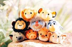 The Lion King was my VERY FAVORITE D movie growing up. I was 7 the summer it premiered, and I have never fallen out of love with it. These Tsums speak to my heart! <3