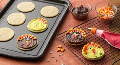 How to Host a Thanksgiving Cookie Contest - Include the kids in the Thanksgiving cooking this year, with a fun and festive Thanksgiving food-prep activity that keeps them busy and adds to the dessert menu!