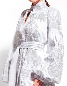 Ukrainian designer Yuliya Magdych combines ukrainian traditions and modernity. Folk Fashion, Unique Fashion, Hijab Fashion, Womens Fashion, Fashion Design, Fashion Trends, Embroidery Fashion, Embroidery Dress, Indian Embroidery