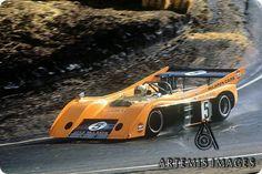 Denny Hulme - McLaren Chevrolet - McLaren Cars/Boyd Jefferies - Monterey Castrol GTX Grand Prix Laguna Seca - Can-Am Laguna Seca - 1972 Canadian-American Challenge Cup, round 8 Sports Car Racing, Racing Team, Road Racing, Race Cars, Auto Racing, Parnelli Jones, Vintage Race Car, Vintage Auto, Bruce Mclaren