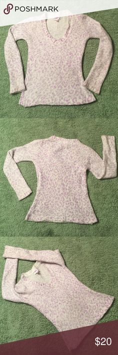 Girls Justice Sweater, size 10, lilac/white soft Really cute girls JUSTICE SIZE 10 V NECK SWEATER, lilac and white, worn, but in good condition, soft and cuddly Justice Shirts & Tops Sweaters