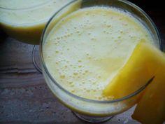 Koktajl ananasowy Mały głód? A może tuż po treningu? Pyszny koktajl: ananas, kiwi, jabłko :-)