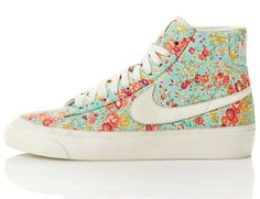I want (need) these Nike high tops!!!