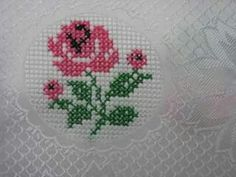 This Pin was discovered by Edg Small Cross Stitch, Cross Stitch Heart, Cross Stitch Borders, Cross Stitch Designs, Cross Stitching, Cross Stitch Patterns, Ribbon Embroidery, Cross Stitch Embroidery, Kutch Work Designs