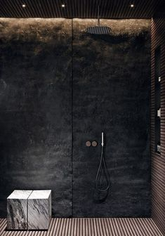 Edgy Bathroom // Black stone shower wall with integrated lighting, slatted wood floor, marble seat ACQuiRE underSTANDiND DiAiSM ArTriBuTE Bad Inspiration, Bathroom Inspiration, Interior Inspiration, Modern Bathroom Design, Bathroom Interior Design, Marble Interior, Stone Interior, Bathroom Designs, Interior Design Blogs