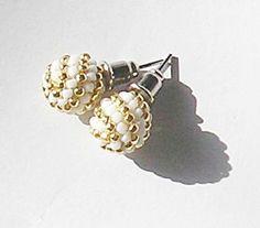 Handmade jewellery kolczyki wkrętki biało-złote ręcznie plecione kulki