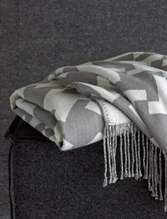 Tate charcoal/white throw from BlisslivingHome