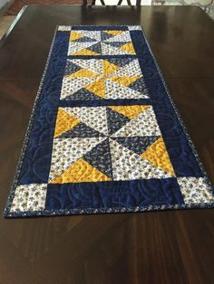 Quilted Table Runner**Yellow**Blue**Table Topper**Hostess Gift**Mother's Day**Gift - table runner Patchwork Table Runner, Table Runner And Placemats, Table Runner Pattern, Quilted Table Runners, Quilt Placemats, Longarm Quilting, Machine Quilting, Quilting Projects, Lap Quilts