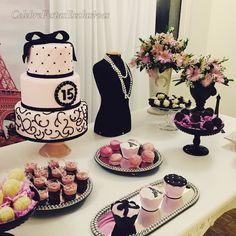 #festascelebre #festaparis #15anos #decoração15anos #parisparty #partyideas #pinkandblack #festamenina #detalhes