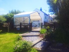 Perfect weather for a Garden Party, marquee by www.24carrotevents.co.uk