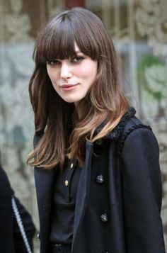 93 Stunning Hairstyles for Oval Faces That Will Make You Look Lovely which hairstyles suit long faces - HairStyles Oval Face Hairstyles, Casual Hairstyles, Pretty Hairstyles, Layered Hairstyles, Vintage Hairstyles, Layered Thick Hair, Keira Christina Knightley, Keira Knightley Hair, Corte Y Color