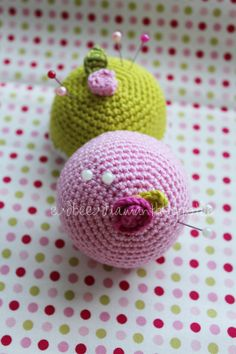 CROCHET INSPIRATION ~ simple pin cushions