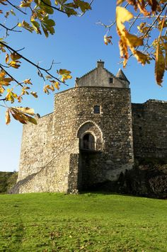 Dunstaffnage Castle was captured by Robert the Bruce in 1309 and remained in royal possession for some years. Find out what the castle is like today by registering online for our #free Ticket Giveaway http://www.ticketgiveaway.co.uk/