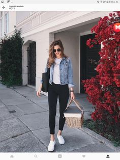 43 Simple and Casual Airport Outfit Ideas and Style # Casual Summer Outfits, Simple Outfits, Spring Outfits, Casual Wear, Cute Outfits, Denim Jacket Outfit Summer, Outfit Jeans, Dress Casual, Denim Jacket Black Jeans
