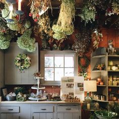 Witch Decoration Ideas New I Dream Of Having A Quaint Little Cottage Away From the City Witch Cottage, Cottage In The Woods, Witch House, Forest Cottage, Garden Cottage, Estilo Kitsch, Witch Decor, Ideas Hogar, Kitchen Witch
