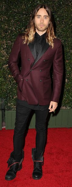 Jared Leto knows the power of a two-tone blazer.