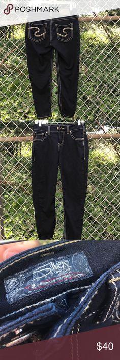 Silver capris Silver capris length is 24 Silver Jeans Pants Capris