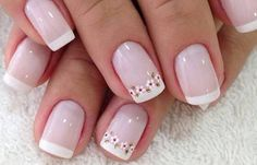 50 super french tip nails to add another dimension i .- 50 Super Französisch Tipp Nägel, um eine weitere Dimension Ihrer Maniküre zu bringen 50 super french tip nails to add another dimension to your manicure their - Fun Nails, Pretty Nails, Nagel Hacks, Floral Nail Art, Daisy Nail Art, Daisy Nails, French Tip Nails, French Manicures, Super Nails
