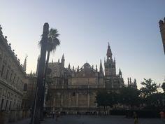Catedral de Santa María es una catedral gótica cristiana con mayor superficie del mundo. Fue completada an principio del siglos XVI.