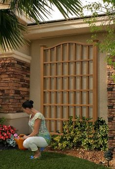 Bring a classic plant support to your landscaping or the side of your wall with New England Arbors Concord Composite Cedar Trellis. Cedar Trellis, Arbors Trellis, Garden Trellis, Clematis Trellis, Wall Trellis, New England Arbors, Pergola Patio, Backyard Landscaping, Pergola Plans