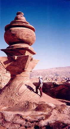 Petra, Jordan - want to do tis side trip from Eilat Places To Travel, Places To See, Places Around The World, Around The Worlds, City Of Petra, Sites Touristiques, Beau Site, Jordan Travel, Ancient Ruins