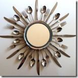 diy sunburst mirror with silverware. Do w/ old silverware set? Dollar Store Crafts, Dollar Stores, Thrift Stores, Goodwill Finds, Do It Yourself Upcycling, Kitchen Clocks, Kitchen Decor, Diy Kitchen, Kitchen Dining