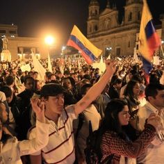 Multitudinaria marcha en Colombia a favor de la paz - teleSUR TV