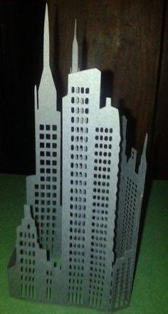 DIY New York City skyline . Pre Christmas by hilemanhouse New York Party, New York Theme, New York Skyline Silhouette, New York City Skyline, Autumn In New York, Movie Night Party, Pre Christmas, Xmas, Superhero Party