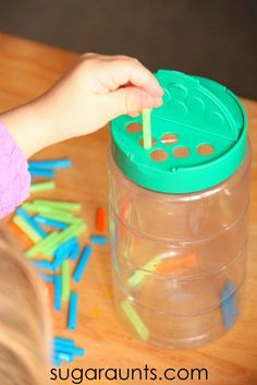 Fine Motor Color Sorting Activity for Kids - The OT Toolbox Toddlers and preschoolers can work on their tripod grasp by using small pieces of straws and a recycled grated cheese container. Straw Activities, Motor Activities, Infant Activities, Preschool Activities, Toddler Fun, Toddler Preschool, Toddler Busy Bags, Exercise For Kids, Business For Kids