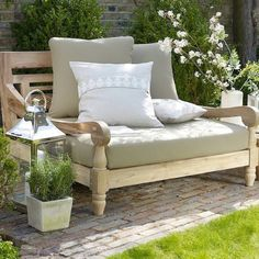 Would love to sit and read there!