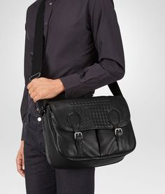 564d7b939563 BOTTEGA VENETA GARDENA BAG IN NERO INTRECCIATO NAPPA Messenger Bag U fp