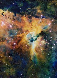 NGC 3324, the Keyhole #Nebula, created by dying star Eta Carina
