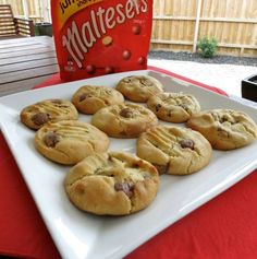 Malteser Biscuits from Favourite FOOD recipes FB page. Yummy Treats, Sweet Treats, Yummy Food, Cookie Desserts, Just Desserts, Biscuit Cookies, Baking Recipes, Baking Ideas, Recipes