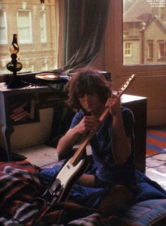 Syd Barrett, the legend behind Pink Floyd David Gilmour, Imagenes Pink Floyd, Rock And Roll, Hippie Rock, Music Aesthetic, Jim Morrison, Led Zeppelin, Classic Rock, I Love Music
