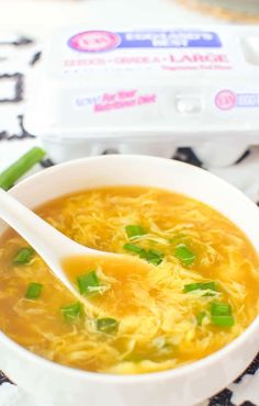 The BEST Egg Drop Soup recipe! It's easy to make in just 15 minutes, and always so delicious! Homemade Egg Drop Soup, Homemade Recipe, Recipe Recipe, Healthy Snacks, Healthy Recipes, Keto Recipes, Easy Soup Recipes, Protein Recipes, Dessert Recipes
