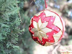 ¿Quieres hacer tus propias bolas de Navidad? Aquí te explicamos cómo: http://www.tiendamerceria.blogspot.com.es/2015/11/bola-de-navidad-handmade-2015.html