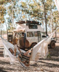 Bus Life, Camper Life, Car Life Hacks, Vw Camping, Glamping, Kombi Home, Van Home, Van Living, Bus Conversion