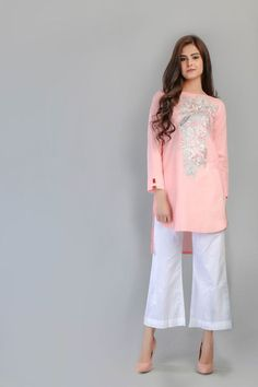 lawn stitched dress by Zellbury ready to wear summer collection from online stores .printed lawn stitched dress by Zellbury ready to wear summer collection from online stores . Pakistani Girl, Pakistani Outfits, Indian Outfits, Indian Dresses, Dress Collection, Summer Collection, Kurta Style, Dress Painting, Sleeve Designs