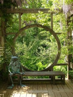 """Moon gate""-esque wooden window on deck (by Karl Gercens)"