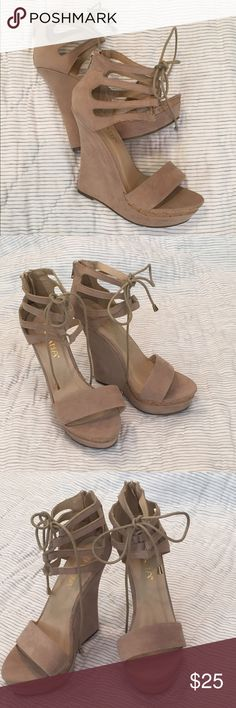 Liliana size 8 nude NWOT wedges, zip back Liliana nude NEVER WORN laced wedges, size 8. Zips in back. Would pair nicely with Forever 21 Coral Dress! #liliana #wedges #nudewedges #shoes #summershoes Liliana Shoes Wedges