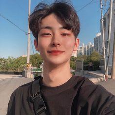 Korean Boys Hot, Korean Boys Ulzzang, Korean Men, Ulzzang Girl, Cute Asian Guys, Asian Boys, Cute Guys, Handsome Asian Men, Handsome Boys