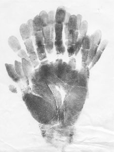 Agnes Denes. The Artist's Hand, 1971, ink on graph paper, 27.8 x 21.4 cm