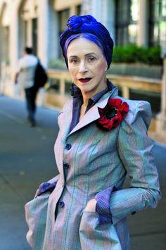 #BeatrixOst, scrittrice e artista.  Le signore che #AriSethCohen fotografa dal 2008 per il suo blog #AdvancedStyle.