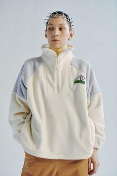 Коллекции | Ready-To-Wear | Осень-зима 2019/2020 | VOGUE Hooded Jacket, Ready To Wear, Rain Jacket, Windbreaker, Athletic, Autumn, Hoodies, Sweaters, Jackets