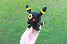 I feel almost cruel if there isn't an Umbreon to go along with Espeon, so I had to make one straight away. I was really glad I was able to find some red safety eyes online, I wish I could find some...