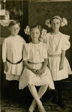 Edwardian siblings