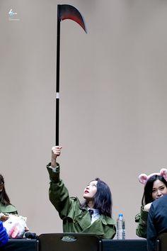 Pop Group, Girl Group, Lee Si Yeon, Dreamcatcher Wallpaper, Dc Memes, I Miss Her, 2ne1, Taemin, K Idols