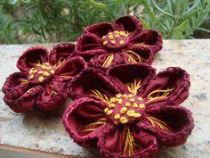 Flores de Fuxico bordadas