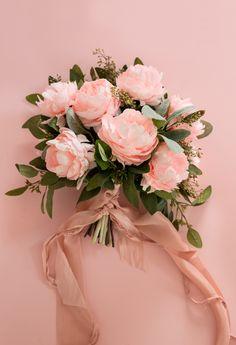 Appetite Paper | DIY - Paper Peony Bouquet Paper Bouquet, Hand Bouquet, Diy Bouquet, Peonies Bouquet, Flower Bouquets, Ranunculus, Bridal Bouquets, Red Bouquet Wedding, White Wedding Flowers