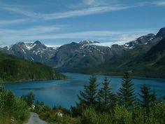 Tous les conseils voyageurs pour partir en vacances Fjords de Norvège et en profité pleinement : villes, monuments à visiter et bons plans Fjords de Norvège.